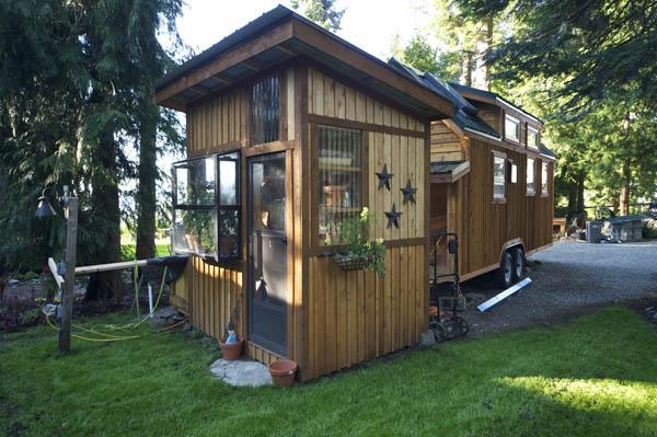 Hope Island Cottages