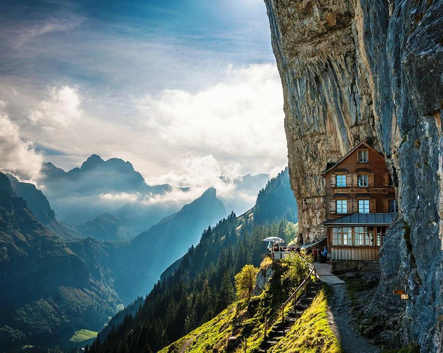 Äscher Cliff, Ελβετία