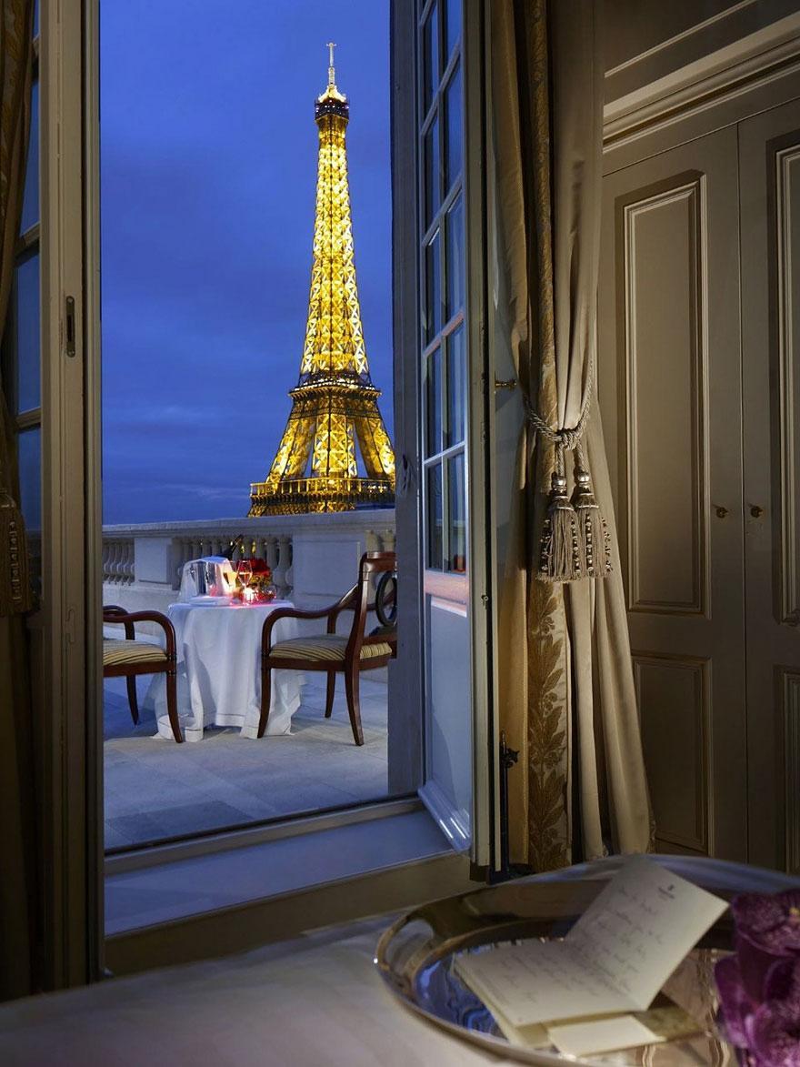 Shangri La, Παρίσι