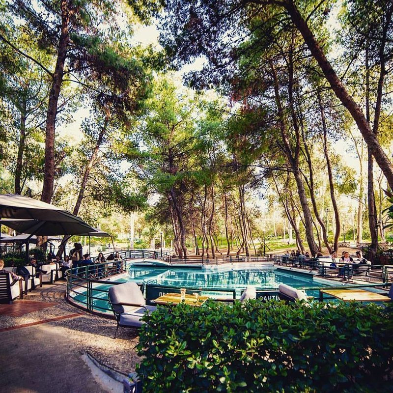 Μαγαζιά με αυλή: 7 υπέροχα μαγαζάκια της Αθήνας με κήπο και αυλή