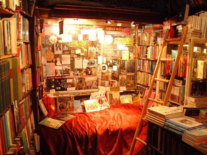 Το πιο μαγικό βιβλιοπωλείο του κόσμου βρίσκεται στο Παρίσι!