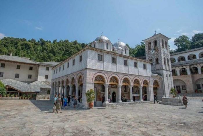Παναγία η Εικοσιφοίνισσα: Το αρχαιότερο μοναστήρι στην Ελλάδα με τη θλιβερή ιστορία