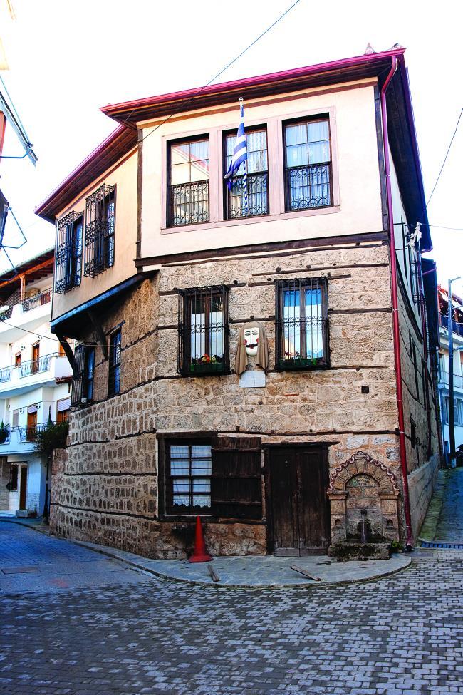 Κτίριο μακεδονίτικης αρχιτεκτονικής στη Νάουσα