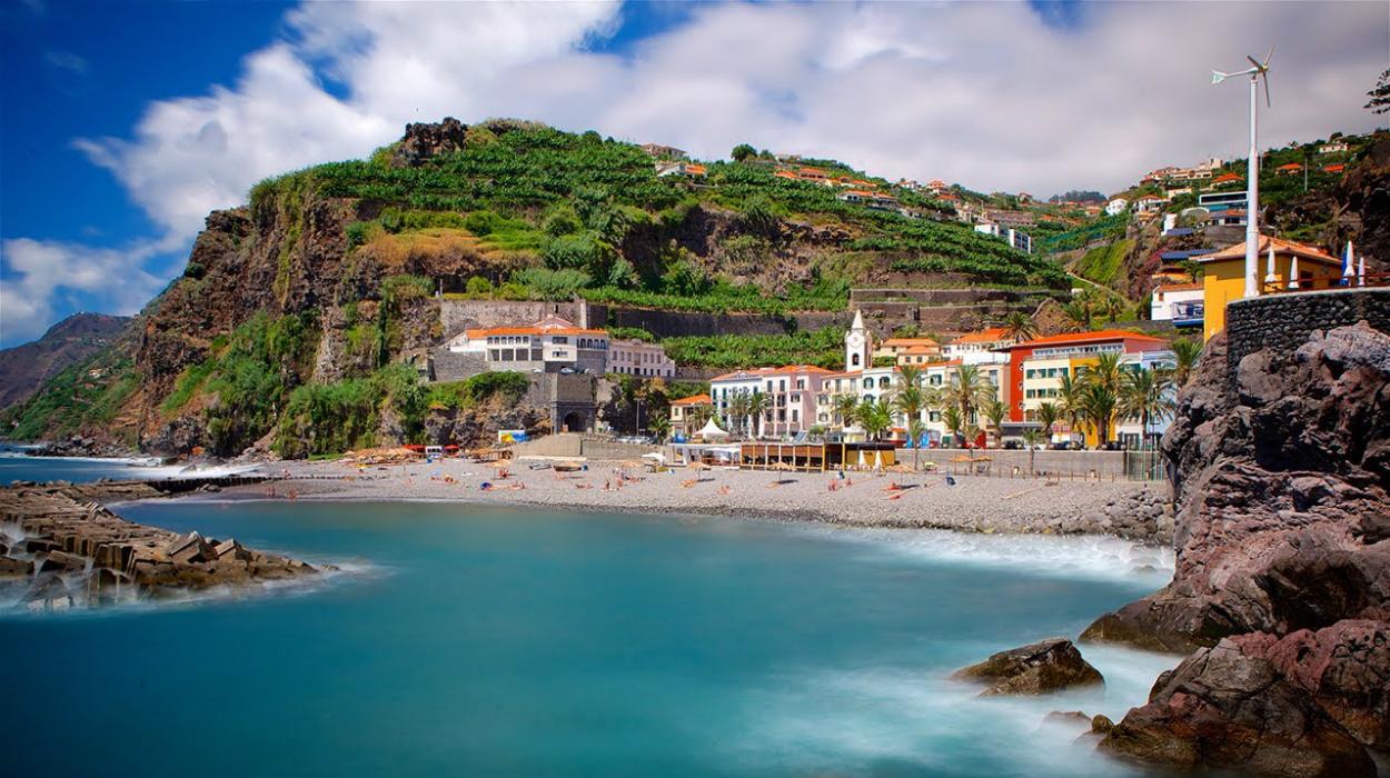 Παραλία στη Μαδέρα της Πορτογαλίας