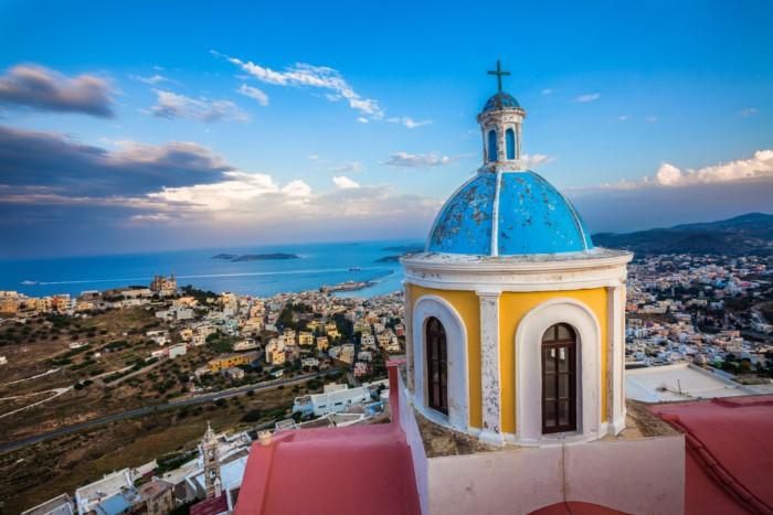 Θα άφηνες την Αθήνα για να ζήσεις για πάντα σε ένα νησί;