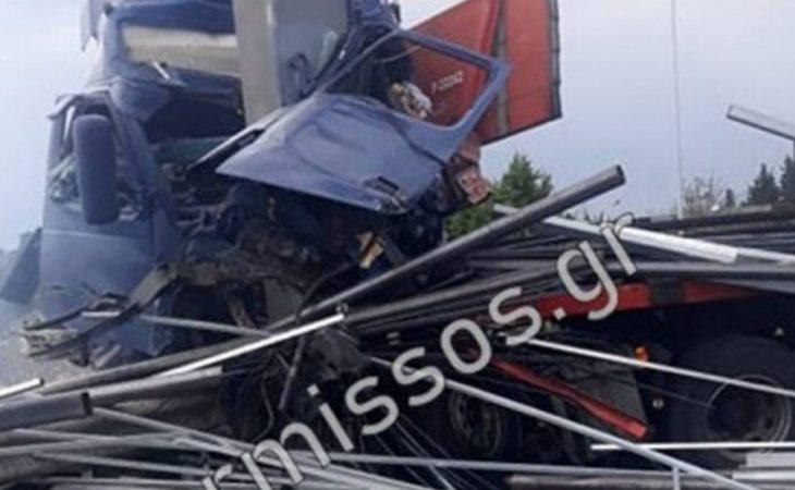 Σχηματάρι: Τροχαίο με το αυτοκίνητο κομμάτια - Νεκρός ο οδηγός