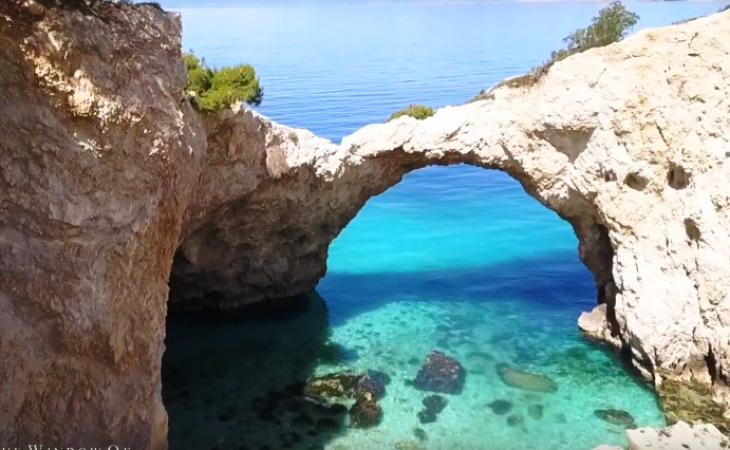 Σπηλιά της Φώκιας: Γνωρίστε μια κρυφή θαλάσσια σπηλιά μια ανάσα από την Αθήνα