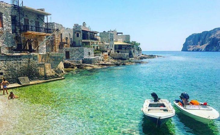 Εμπειρία ζωής! Το ωραιότερο road trip στην Ελλάδα με τις «μυστικές» παραλίες που θα θυμάσαι για μια ζωή