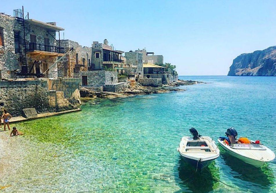 Μάνη: Αυτό το road trip με «μυστικές» παραλίες θα το θυμάσαι για μια ζωή