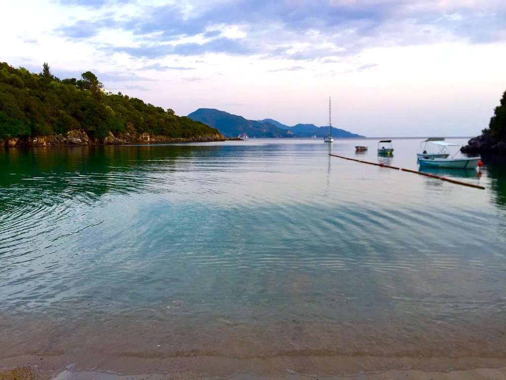 Η «Καραϊβική της Ελλάδας»: Το παραθαλάσσιο χωριό που αποθεώνουν φέτος οι χρήστες του Tripadvisor