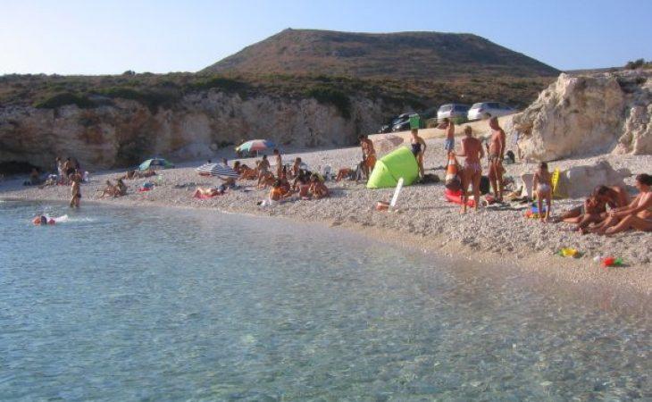 Όχι οι Εγρεμνοί Λευκάδας: Σαν Κρύσταλλο! Η πιο κρύα παραλία της Ελλάδας, που το νερό της δεν ζεσταίνει ποτέ