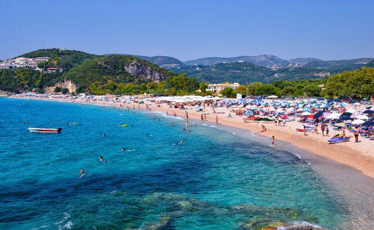 Ούτε Κρήτη, ούτε Νάξος: Στον πιο αναπτυσσόμενο προορισμό στην Ελλάδα που βάζει κάτω τα καλύτερα νησιά πας με αμάξι