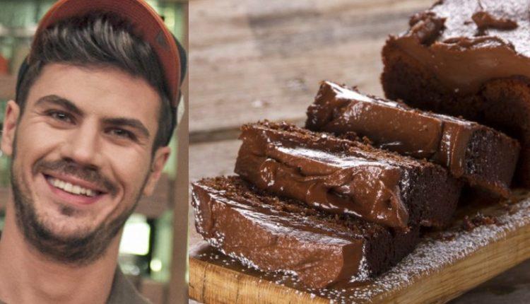 Κέικ Nutella: Ο Άκης μας φτιάχνει ένα ανεπανάληπτα λαχταριστό και εξαιρετικά εύκολο κέικ με Nutella για το οποίο θα χρειαστείτε μόνο 3 απλά υλικά!