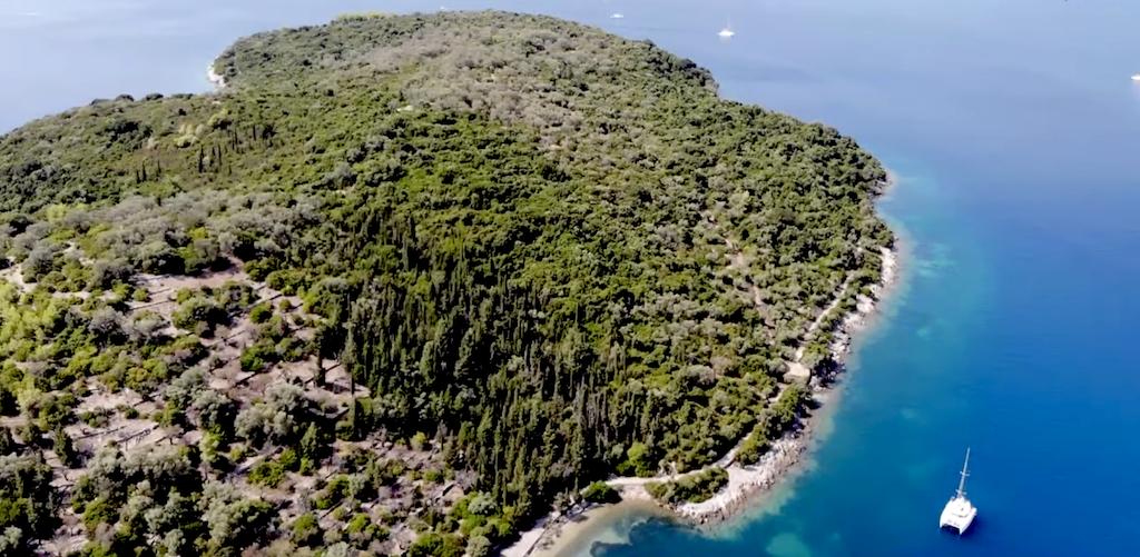 Καλύτερο απ' τον Σκορπιό: Το νησί που αγόρασε ο Ωνάσης για το γιo του ήταν ο επίγειος Παράδεισός του