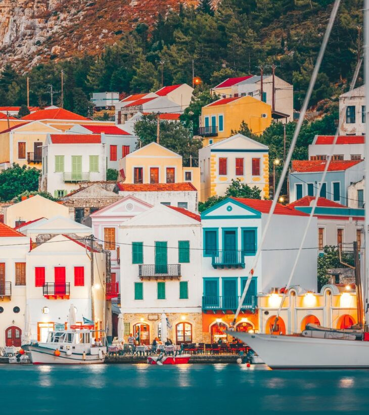 Καστελόριζο: Κύμα στήριξης από Έλληνες που σπεύδουν για διακοπές