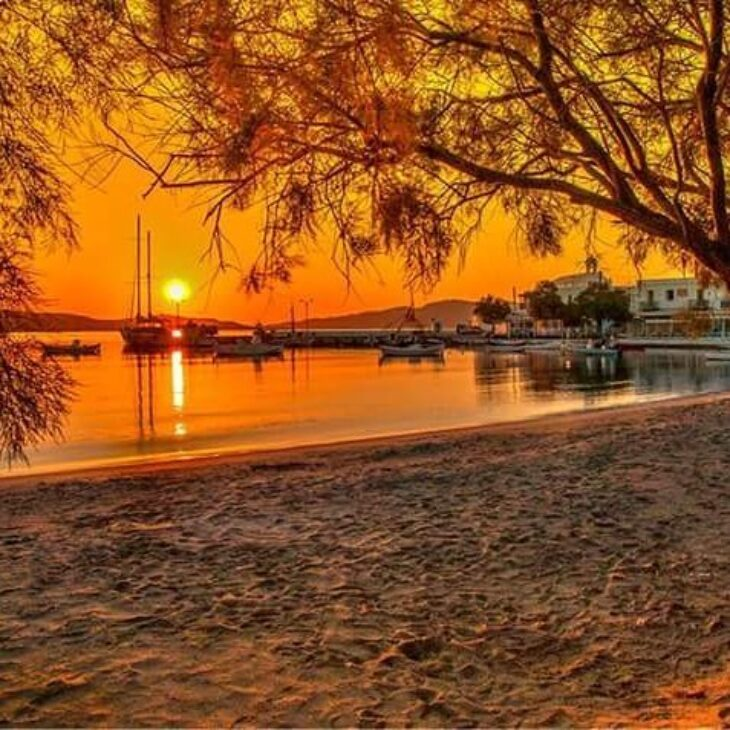 Αντίο Σαντορίνη! Αυτό είναι το απόλυτο νησί για να ζεστάνεις τον έρωτά σου το καλοκαίρι του 2020