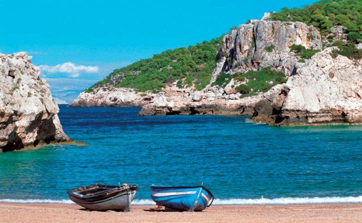 Λουτρά Ωραίας Ελένης: Ο παράδεισος που είναι 65 λεπτά από την Αθήνα