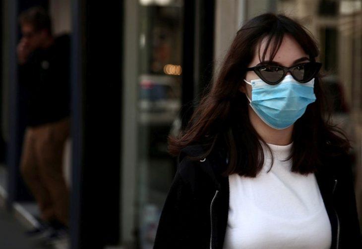 Υποχρεωτική χρήση μάσκας: Δείτε τι θα ανακοινώσει ο Χαρδαλιάς