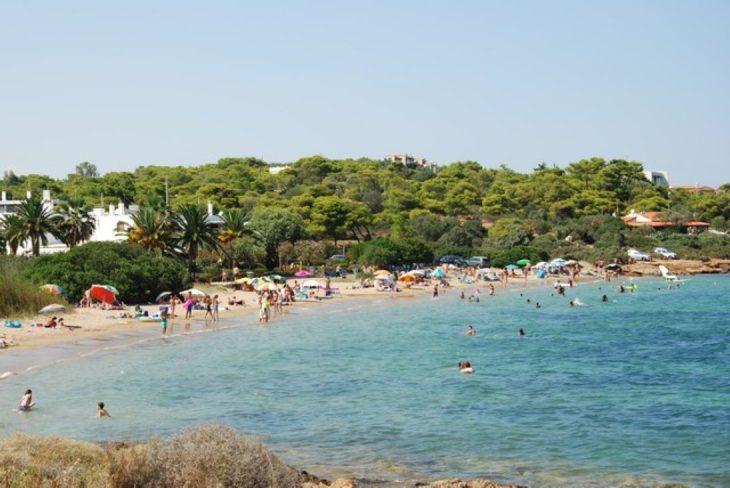 Ακτή Ασημάκη: Ανοργάνωτος παράδεισος στα νότια της Αθήνας