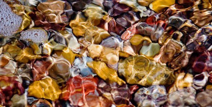 Παραλία Λάμπη: Εκεί βρίσκονται τα ομορφότερα βότσαλα