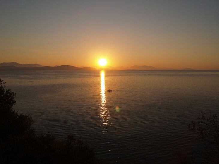 Παραλία Νεκροταφείο: 15 λεπτά από το Ναύπλιο, το καλύτερα νερά ever