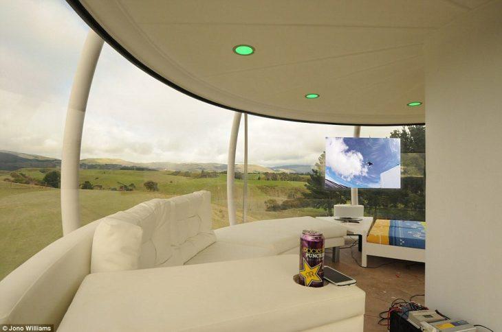 Skysphere: Το σπίτι διαστημόπλοιο που κόστισε μόλις 50.000 ευρώ