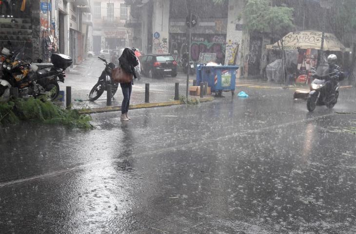 Δεκαπενταύγουστος καιρός: Σε ποιες περιοχές θα έχει καταιγίδες με χαλάζι