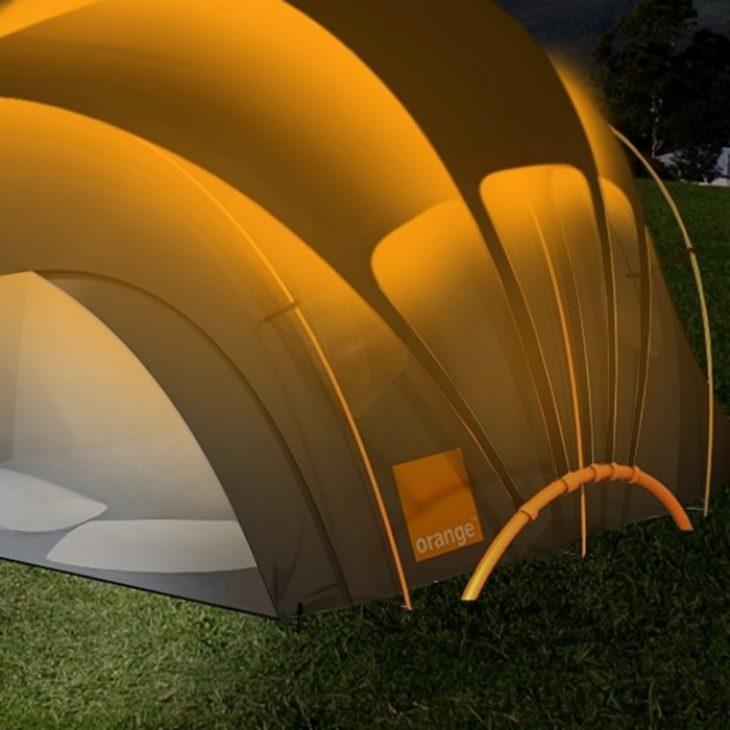 Ηλιακή σκηνή κάμπινγκ:  Σου παρέχει ρεύμα εντελώς δωρεάν παντού
