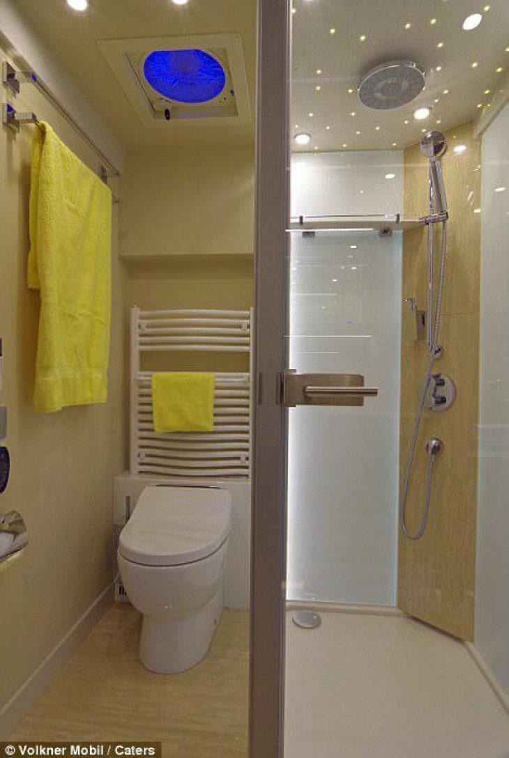 Χωράει 3 οικογένειες , έχει ιδιωτικό γκαράζ και το εσωτερικό του είναι πιο πολυτελές από πεντάστερο ξενοδοχείο στη Νέα Υόρκη