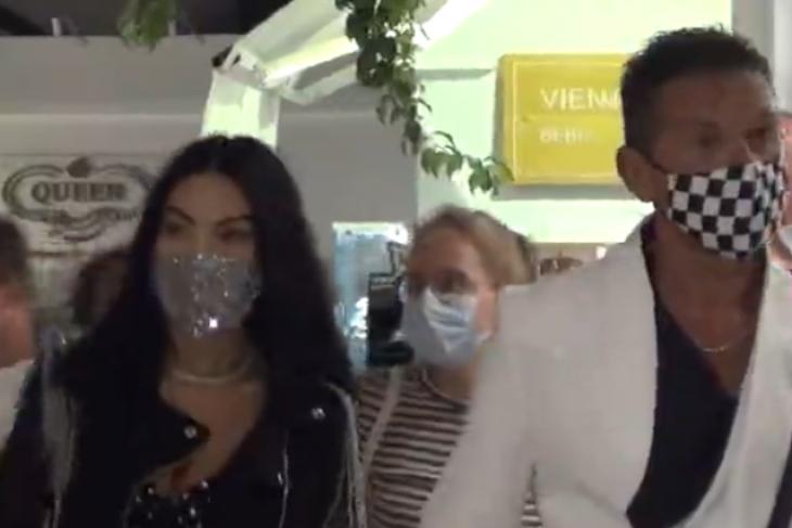 Μύκονος μάσκες: Δείτε τι μάσκες υπερπαραγωγή φοράνε στα Ματογιάννια
