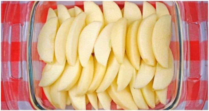 Ανάποδη μηλόπιτα: Συνταγή για εύκολη μηλόπιτα, έτοιμη σε 10 λεπτά