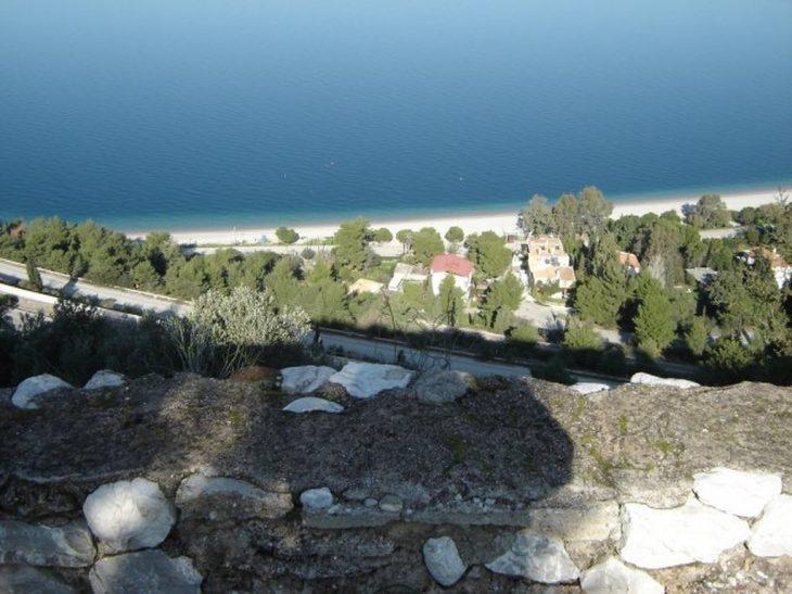 Παραλία Τράπεζα ή Πούντα: Ο παράδεισος μια ανάσα από την Πάτρα