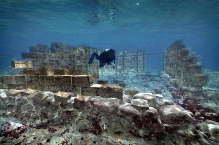 Γνωρίστε την αρχαία Ελληνική πόλη που βρίσκεται βυθισμένη κάτω από τη θάλασσα στην Ελαφόνησο – Φωτογραφίες