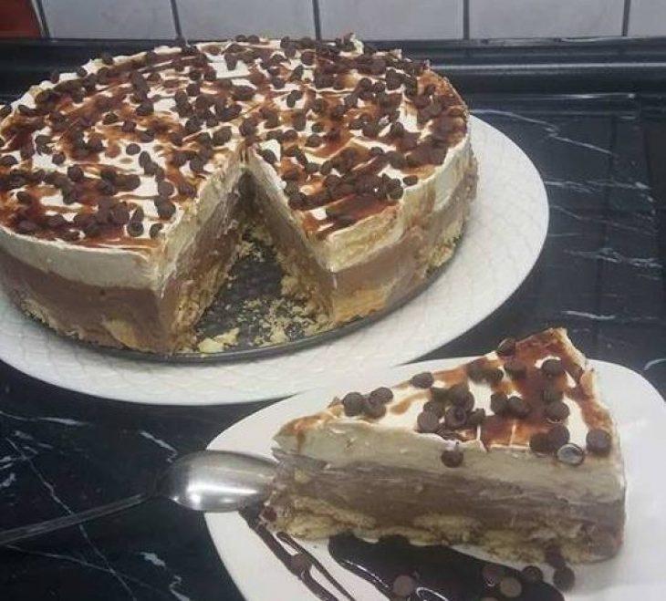 Δίχρωμη τούρτα: Με μπισκότα, ζαχαρούχο και μερέντα για κάθε περίσταση