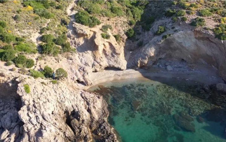 Παραλία Τσίου: Τα πάντα για τον γαλάζιο παράδεισο δίπλα στην Αθήνα