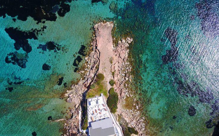 Τέσσερις φανταστικές παραλίες στην Αττική για τα τελευταία μακροβούτια