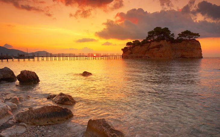 Ζάκυνθος ηλιοβασίλεμα: Μαγικές εικόνες που κόβουν την ανάσα