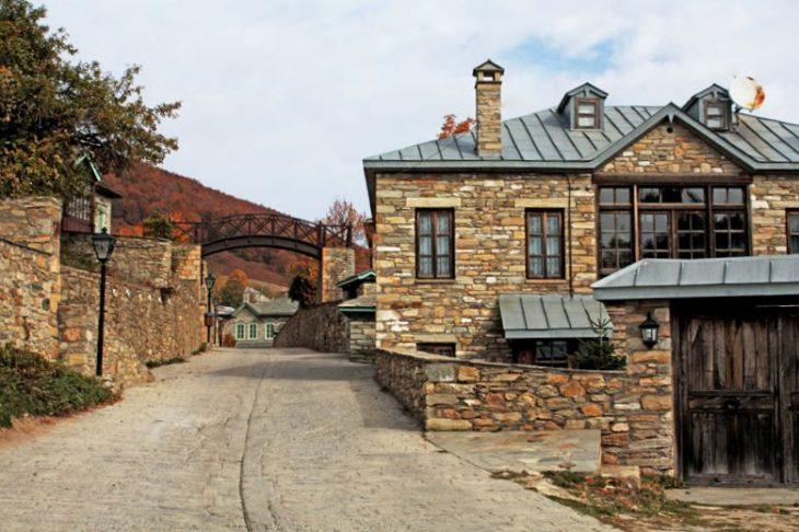 Τεστ: Πόσο καλά γνωρίζετε τα πιο διάσημα Ελληνικά χωριά;