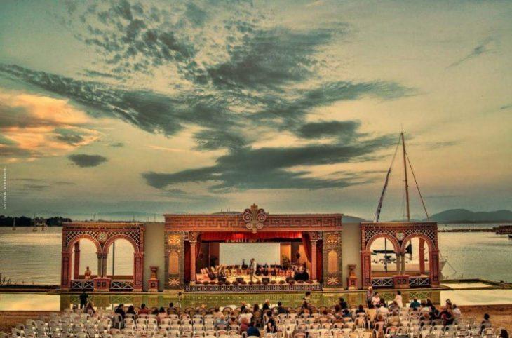 Ελληνική πλωτή όπερα: Η πρώτη του κόσμου βρίσκεται στην Πρέβεζα