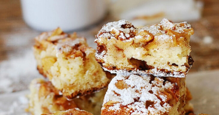 Κέικ μήλου με μέλι και κανέλα με λίγα υλικά, έτοιμο σε λίγα λεπτά