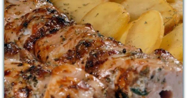 Κοντοσούβλι στη λαδόκολα: Μοναδική συνταγή με ζουμερές πατατούλες