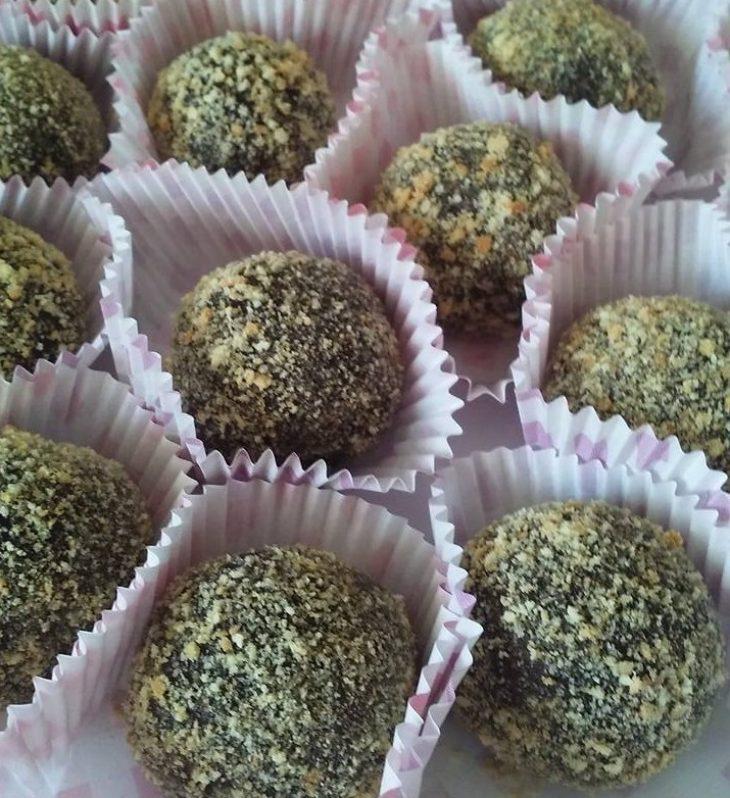 Σοκολατάκια μπισκότου με αμύγδαλα για αρχάριους με 4 υλικά