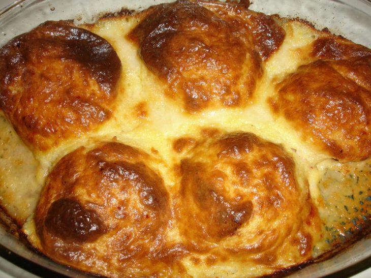 Μπιφτέκια με μπεσαμέλ στο φούρνο για να μυρίζει όλο το τετράγωνο