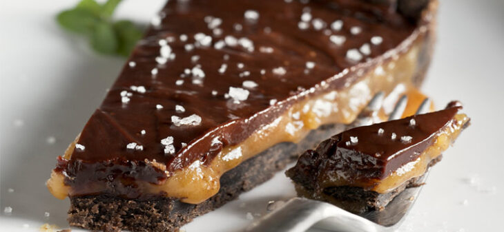 Τάρτα με καραμέλα και σοκολάτα: Η πιο γευστική, κατάλληλη για επιδόρπιο