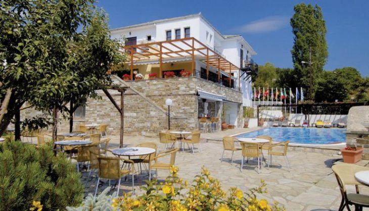 Πορταριά Πηλίου προσφορά: Τετράστερο ξενοδοχείο με κάτω από 30 ευρώ το άτομο για να περάσεις αξέχαστο Φθινόπωρο