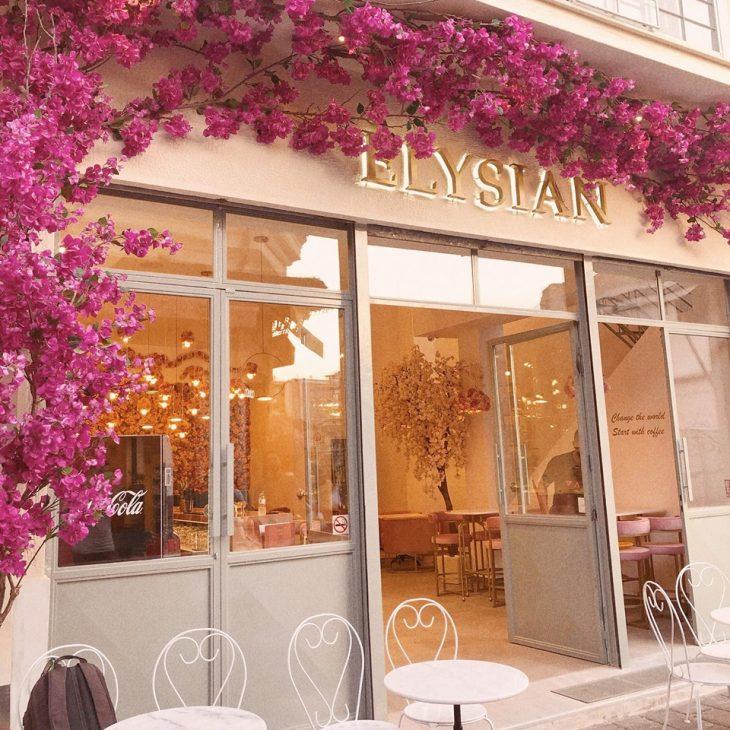 Παραδεισένιο καφέ στην Αθήνα: Το café που ομορφαίνει το κέντρο