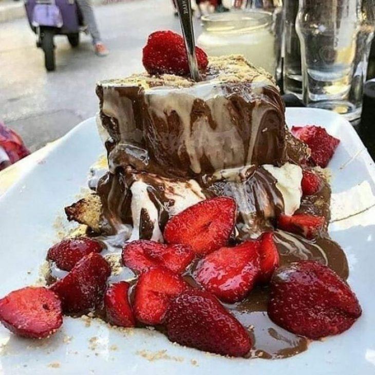 Μαγαζιά με γλυκά στην Αθήνα: Οι 3 γευστικότερες επιλογές για φέτος