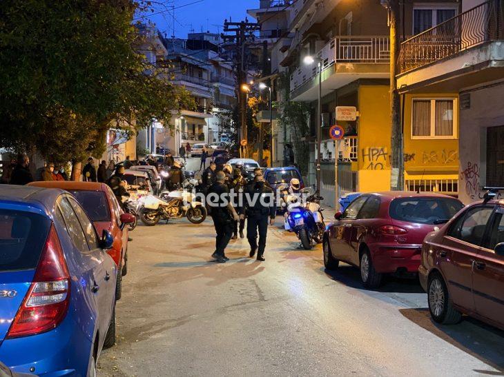 Θεσσαλονίκη επεισόδια: Ένταση μεταξύ νεαρών και αστυνομικών