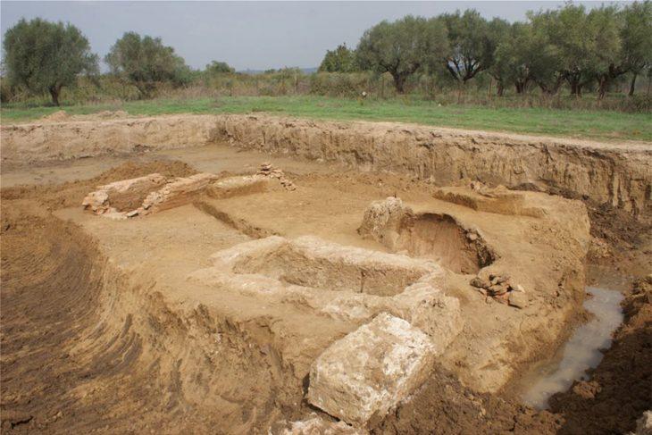 Ηλεία: Βρέθηκαν 8 τάφοι σε ιδιόκτητο οικόπεδο εποχής 4ου-2ου αιώνα π.Χ