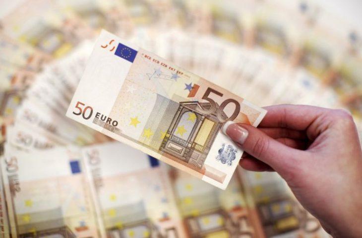 Ενίσχυση ανέργων: Θα δοθούν 400 ευρώ σε μακροχρόνια ανέργους
